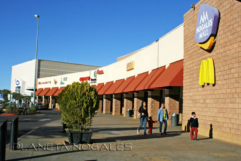 nogales mall shoppers